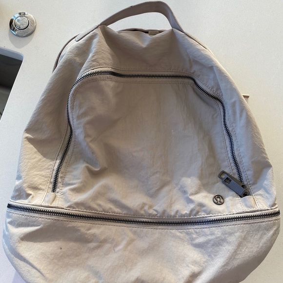 lululemon athletica Handbags - Lululemon adventure 17L bag